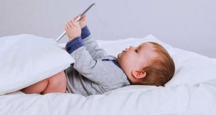 ecrans-numériques-nuisibles-enfants