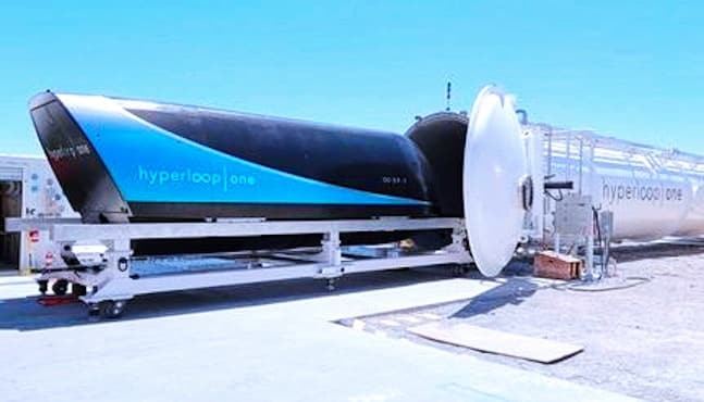 virgin-hyperloop-one-presentation-capsule