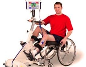 Pratiquant paraplegique qui s'entraine