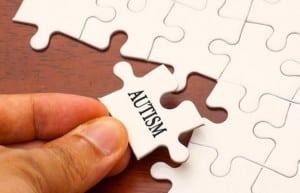 """Puzzle qui intègre le mot """"autisme"""""""