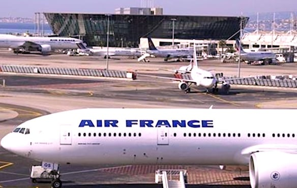 Avion d'Air France sur un tarmac