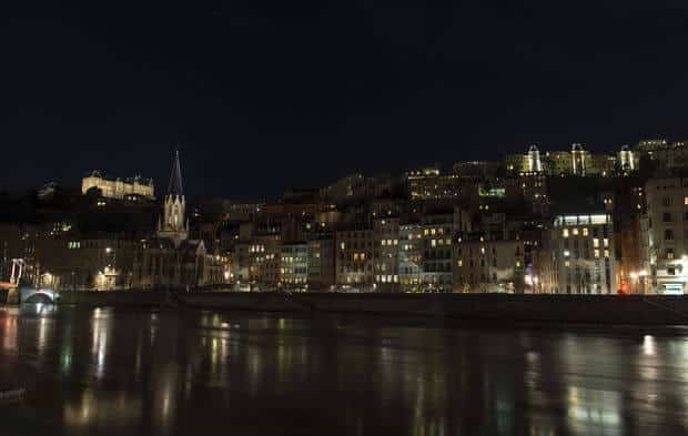 Lyon illuminée la nuit