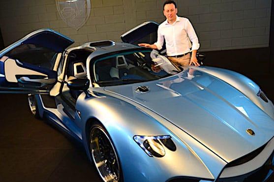 une photo de voiture de sport postée sur les réseaux sociaux, un indice pour le fisc