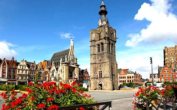 Place centrale d'une ville