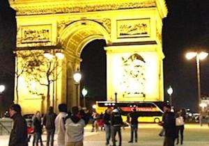 L'Arc de Triomphe, de nuit