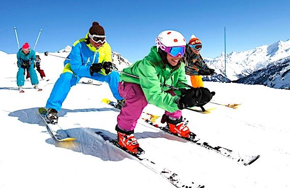 Skieurs dans la neige