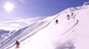 Skieurs a la montagne