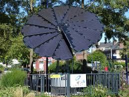 tournesol solaire: des panneaux solaires en forme de pétales de tournesol