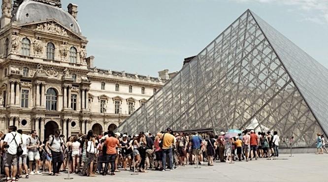 File d'attente au Louvre
