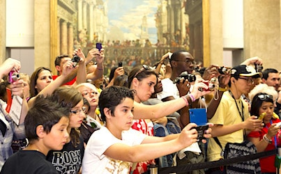 Foule au Musee du Louvre