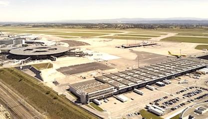 L'aéroport de Lyon.