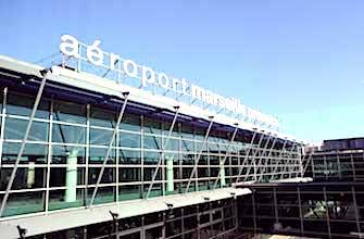 Pour le moment, le Sénat a rejeté la privatisation des aéroports français .