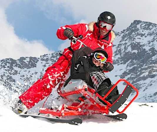 Différents équipements permettent de skier quand on est handicapé.