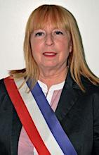 Madame Béatrice de François, maire de Parempuyre, s'efforce de ne pas laisser sa commune isolée.