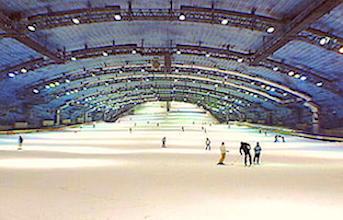Amnéville possède la seule structure couverte pensée pour le ski en France.