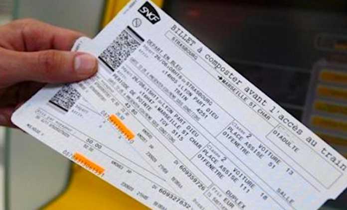 Avec moins de guichets ouverts dans les gares, le service proposé s'est dégradé.