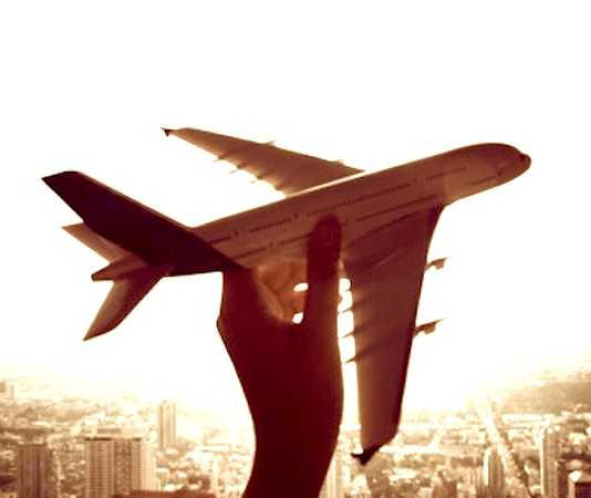 Les smartphones permettent de trouver des tarifs de billets d'avions plus bas.