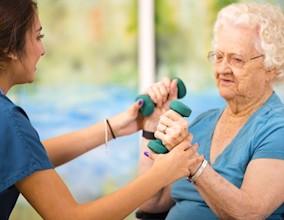 exemple d'accompagnement d'une personne en dépendance due au grand âge