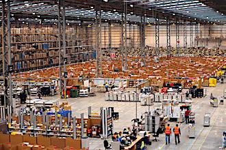 Le lancement de la plus grande plateforme française d'Amazon, près de Lyon, pourrait être retardé, voire annulé.