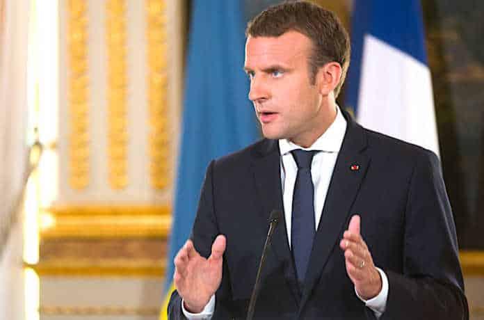 Emmanuel Macron affirme ses positions pour les Européennes.