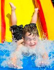 un tobbogan pour les enfants, une des attractions de Aquapark Beluga