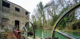 un moulin hydraulique