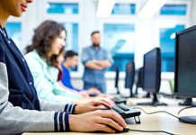 Les professions du secteur numérique pourraient être mieux préparées en France.