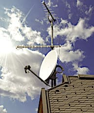 Les antennes Radio-Satellite offrent une alternative à la fibre optique.