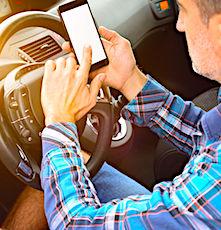 Une répression plus sévère de l'usage du portable au volant est réclamée par les Français.
