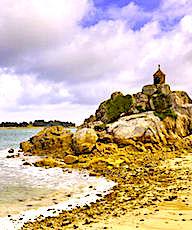 Le charme des plages bretonnes attire par leurs températures plus clémentes.