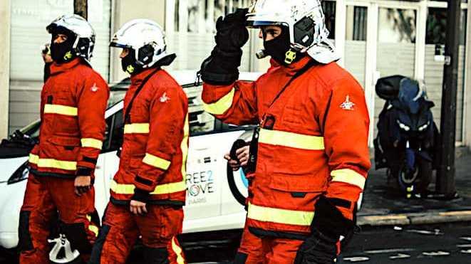 Cropped Les Agressions De Pompiers Sont En Train Dexploser En France