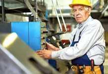 Cropped Les Travailleurs Seniors Sont Souvent Discrimine S En France
