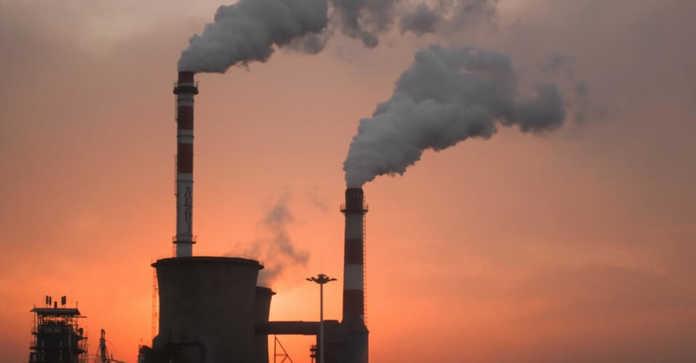l'air pollué sur une ville