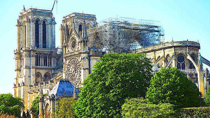 Cropped Le Chantier De Notre Dame Suscite Toujours Les Craintes Dune Contamination Au Plomb