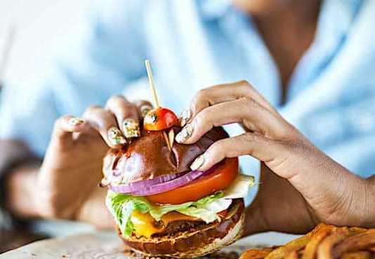 Cropped Les Burgers Ve Ge Tariens Rencontrent Un Accueil Favorable En France