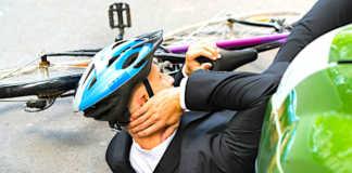 Les accidents de deux-roues se sont multipliés à Paris, à cause de la grève dans les transports en commun.