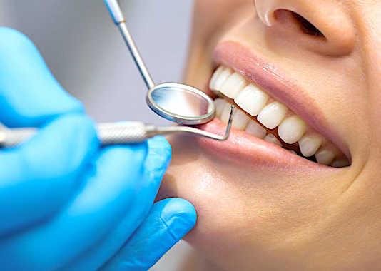 Depuis une réforme, mise en place en janvier dernier, les frais de dentiste sont bien mieux remboursés.