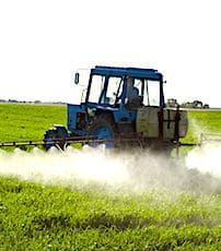 L'épandage de pesticides est soumis dorénavant à une nouvelle réglementation.