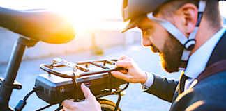 Le vélo électrique de fonction tente de plus en plus de salariés urbains.