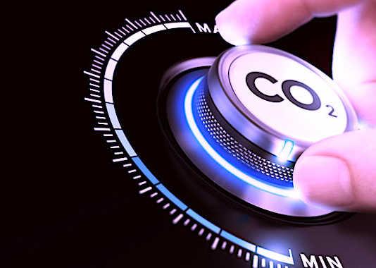 """Microsoft et Amazon veulent désormais faire des efforts """"verts"""" pour atteindre un bon bilan carbone."""